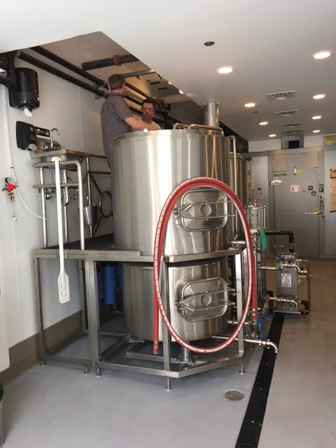 3.5-bbl/4-hl stainless steel brewhouse system at Mad Mouse Brewing - Chicago, Illinois